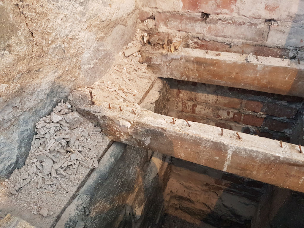 joists with dry rot
